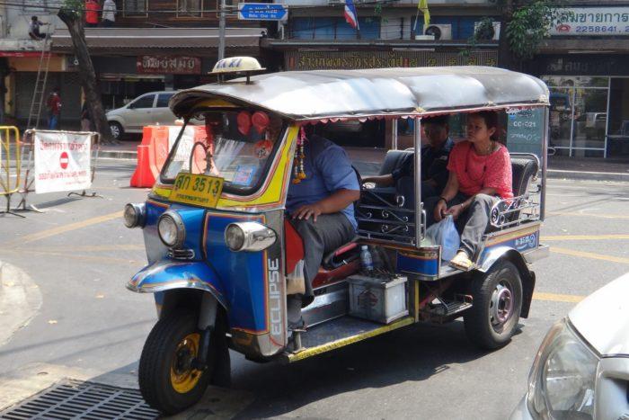 Tuk Tuk Tajlandia Ciekawe miejsca i rzeczy do zrobienia w Tajlandii