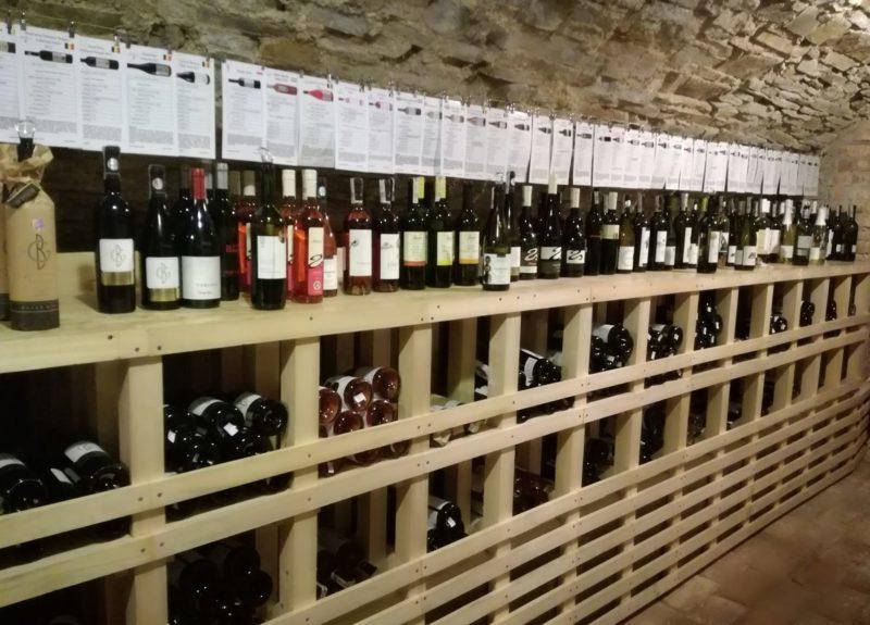 Karpacki szlak win a, winnice na podkarpaciu, Winnica Dwór Kombornia w Salonie Win Karpackich